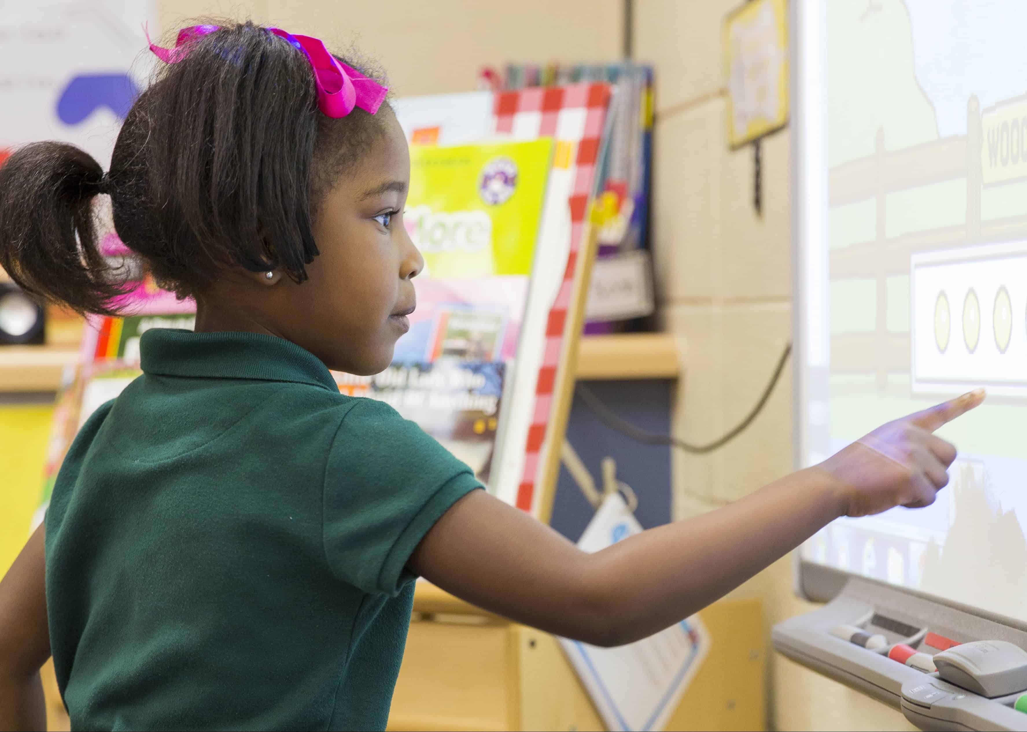 girl using classroom advantage